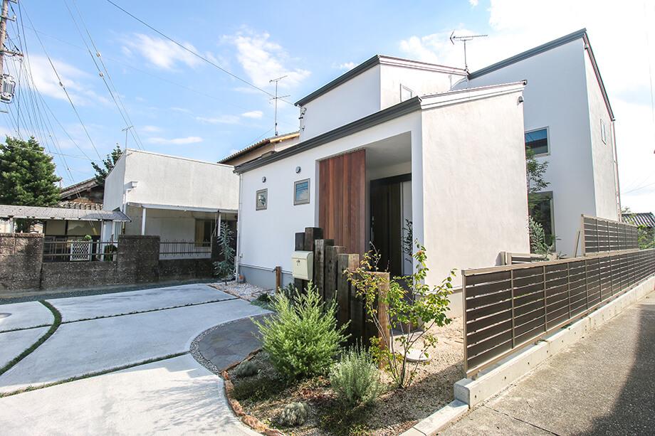 注文住宅レポート#008 掛川市細田H様邸 「狭小地を上手に使った中庭のある家」