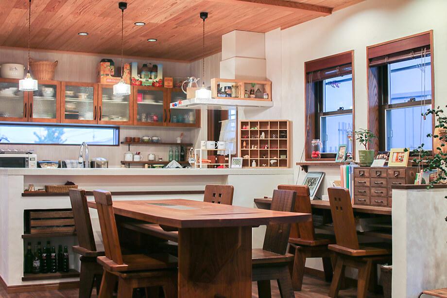 「子育て中のママが考えた漆喰とガルバの家」 掛川市家代の里S様邸 注文住宅レポート#015