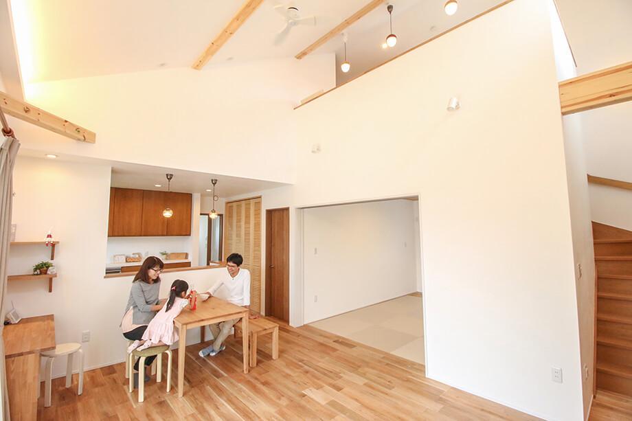 注文住宅レポート#026 掛川市上屋敷M様邸 「勾配天井リビングのナチュラルな木の家」