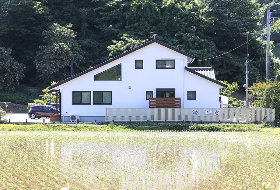 注文住宅レポート#027 菊川市西方O様邸 「縦長の土地に建つ 薪ストーブと台形の窓のあるはなれ」