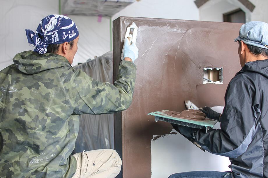 モルタル風カウンターを仕上げる左官業 -掛川市北門O様邸-