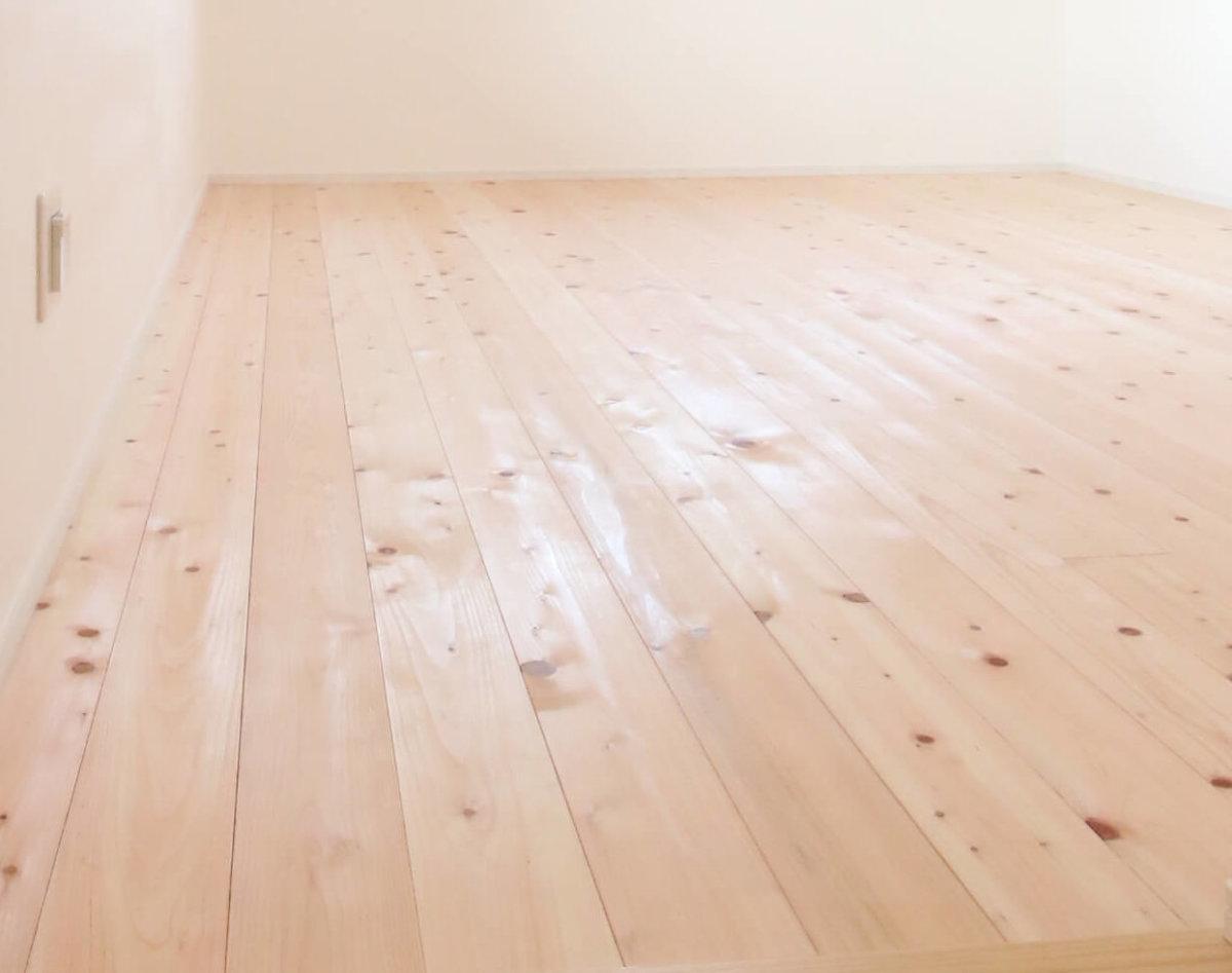 床材の塗装…?
